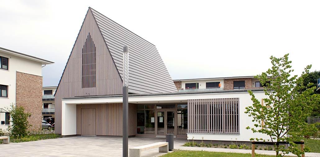 Gesamtansicht des Neubaus des Gemeindezentrums in Hasloh