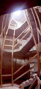Treppenhaus des Mehrfamilienhauses in Hamburg-langenhorn im Rohbau