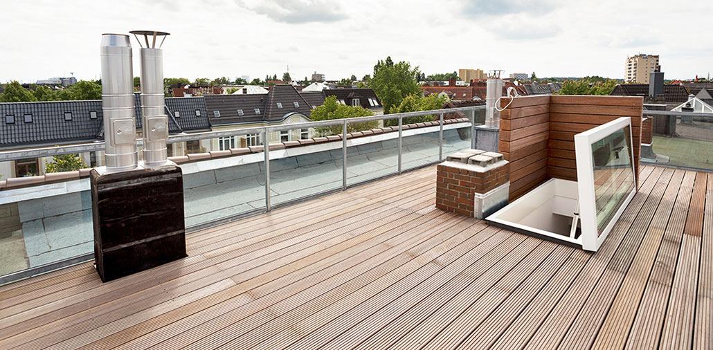 Die 42 qm große Dachterrasse mit Blick über Hamburg-Eimbüttel