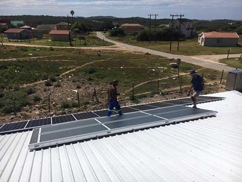 Montage der Solarmodule, Projekt EcoSUN
